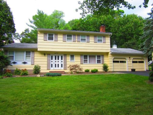 1, 24 DELBROOK RD, PARSIPPANY front